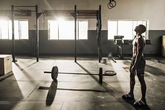 man-training-in-gym